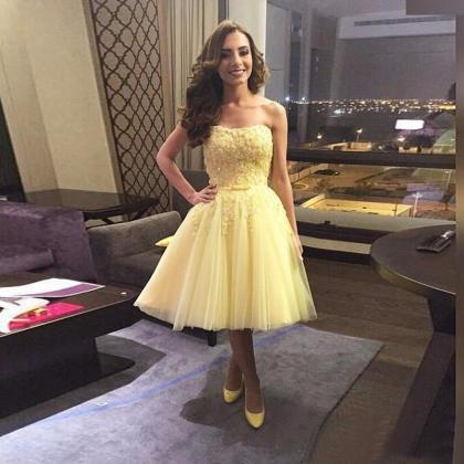 UlassNew Fashion Yellow Prom Dresse..