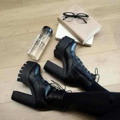 Ulass Hot Sale Black Square Heels P..