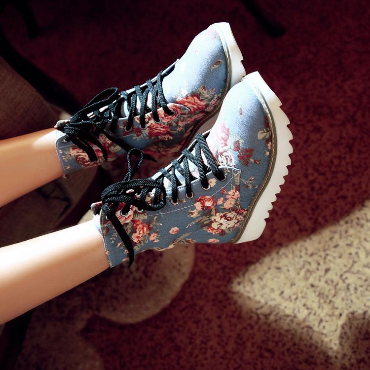 Ulass Beautiful Floral Design Martens Boots ST-086