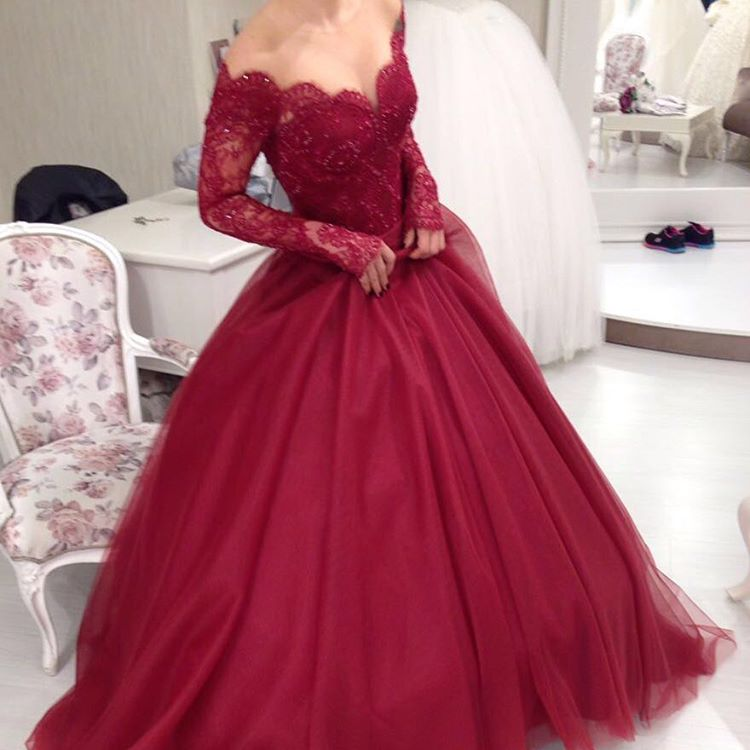 Ulass Charming Burgundy Lace Ball Gown Prom Dresseslong Sleeves