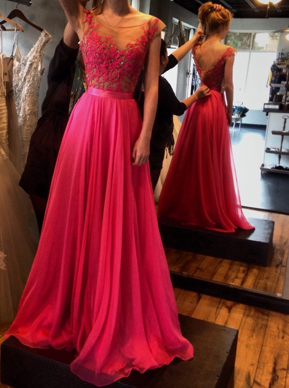 2722821bbcb7 Ulass Hot-Selling Red A-Line Floor Length Sash Backless Scoop Chiffon Prom  Dress with Lace