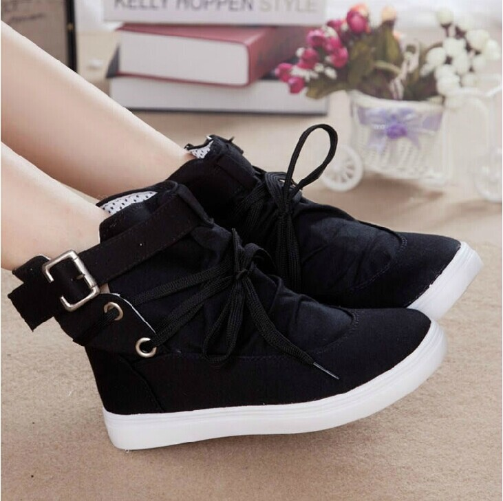 2300732eb69 Ulass Lace High-top Canvas Shoes on Luulla