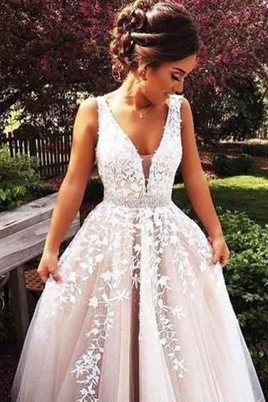 Ulass Beautiful Tulle Evening Dress A-line Long Wedding Dress Lace Prom Dress Beading V-neck Party Dress