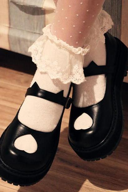 Ulass Black/White Lolita Heart Hollow Platform Shoes