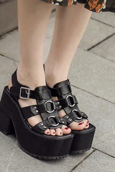Ulass Black White Buckle Platform Sandals