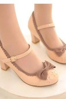 Ulass Retro Lovely Beige Bow Shoes