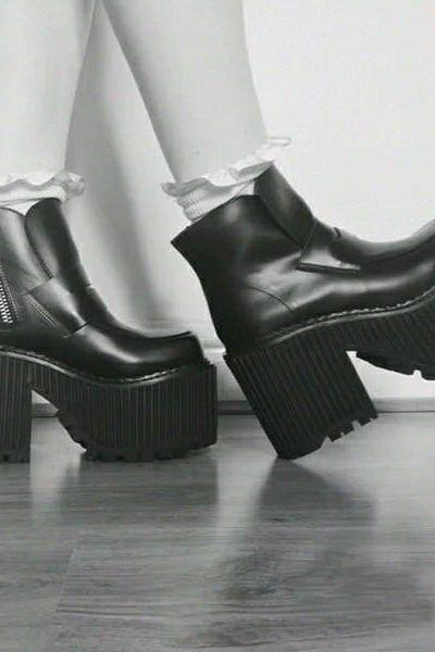 Ulass Retro Zipper Punk Platform Boots