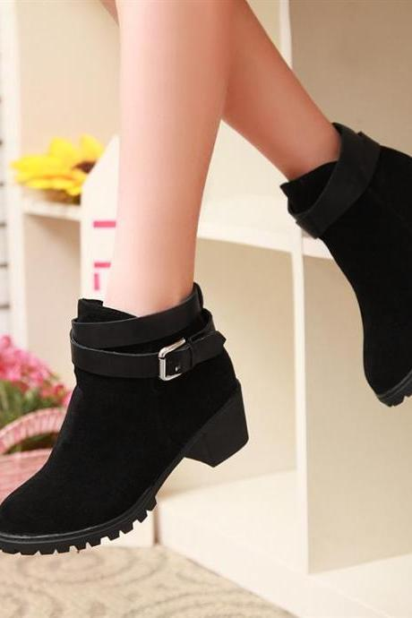 Ulass Black Chunky Heel Autumn and Winter Biker Boots ST-122