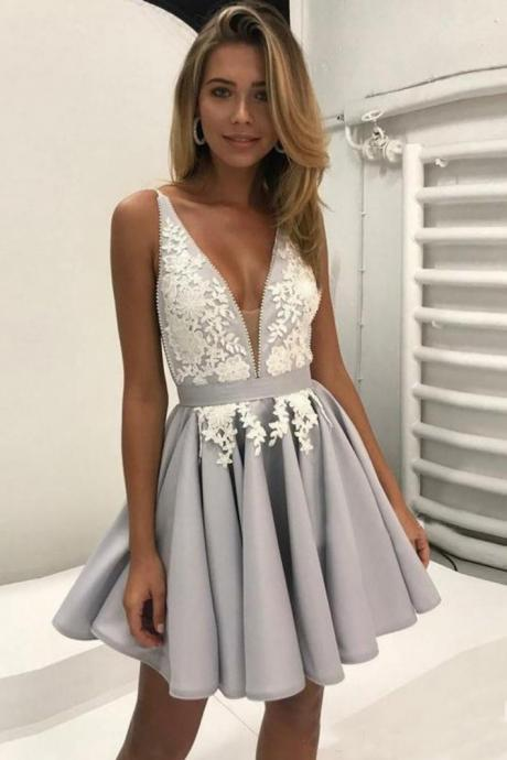 Ulass Deep V Neck Prom Dresses,Short Prom Dress,Sleeveless Prom Dress,Appliques Homecoming Dresses,Pleats Prom Gown,Cheap Homecoming Dress,Short Party Dress