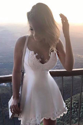 Ulass Elegant Homecoming Dress,A-Line Homecoming Dresses,Spaghetti Straps Homecoming Dresses,White Homecoming Dresses