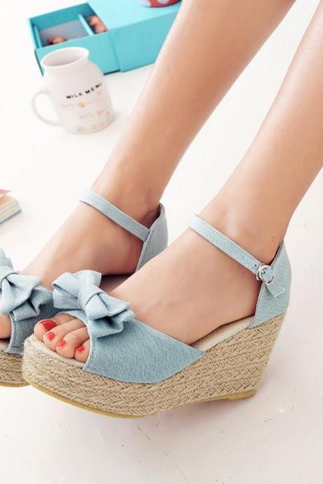 Ulass Spring and summer wave point fashion high heels