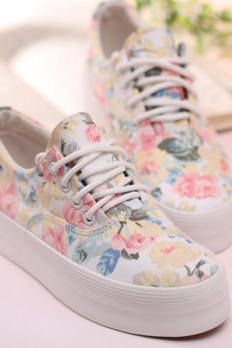 Ulass Women's Floral Print Thick Soled Canvas Sneaker