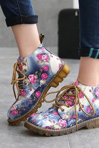 Retro Floral Printed Flat Ankle Boots