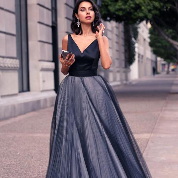 Ulass 2016 Style V-neck A-line Black Tulle Prom Dresses